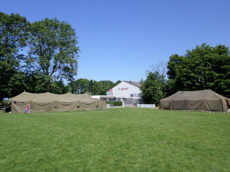 'Het tentenkamp waar de deelnemers tijdens dit Jeugdweekend waren onder gebracht.' - Foto: Theo Moras